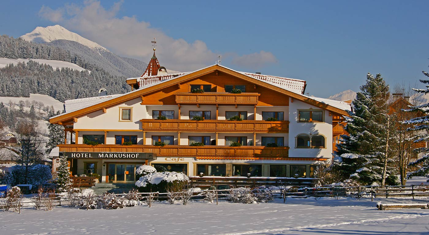 Exterior view of Hotel Markushof on a winter day