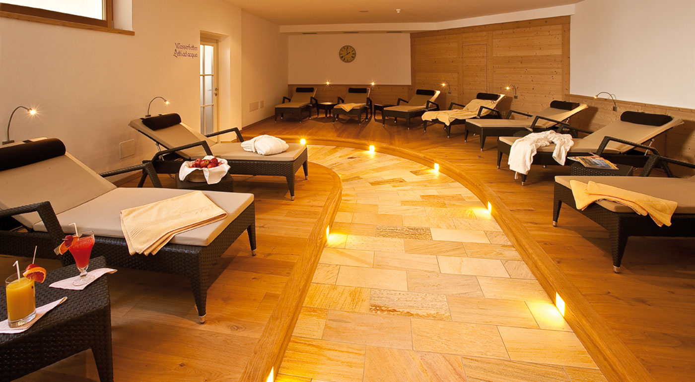 Area relax con lettini all'Hotel Markushof
